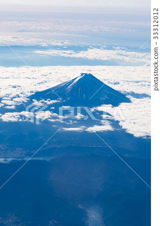图库照片: 与客机的风景,机场的图象的汇集