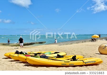 首页 照片 人物 男女 情侣/夫妻 夏威夷 冲浪板 海滩  *pixta限定素材