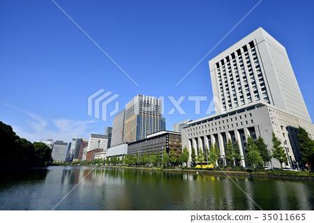 图库照片: 东京都市风景丸之内办公室街道