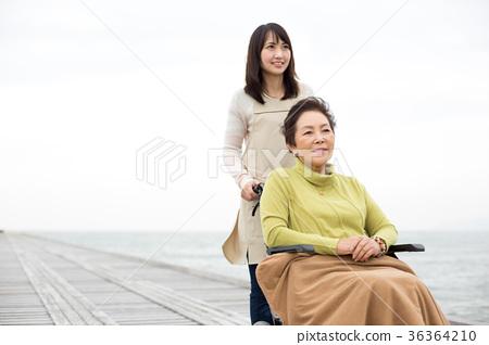 母亲 首页 照片 人物 女性 母亲 护理 木乃伊 母亲  *pixta限定素材仅