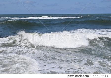 图库照片: 汹涌浪潮 波涛汹涌的海面 日本海