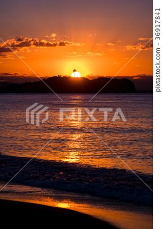 """望む·黎明在湘南海岸12月12日""""  *pixta限定素材仅在pixta网站,或"""