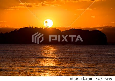 日出 首页 照片 天空 日出 黎明 清晨 黎明 日出  *pixta限定素材仅在