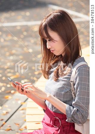 女孩 首页 照片 人物 女性 女孩 智能手机 女生 女孩  *pixta限定素材