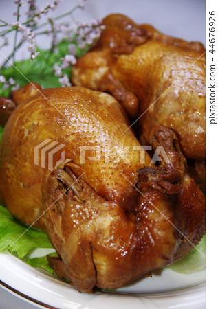 照片素材(图片): 烤鸡