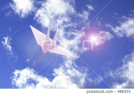 Folding crane and blue sky 486955