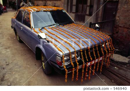 A wedding car 546940