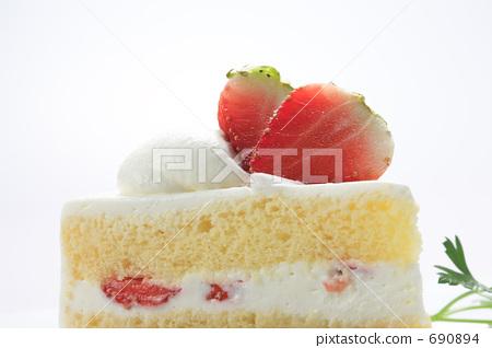 Strawberry cake 690894
