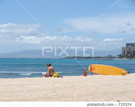 해변에서 독서 720324