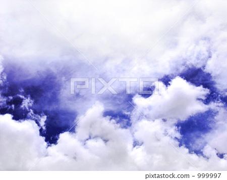 Skies and clouds 999997