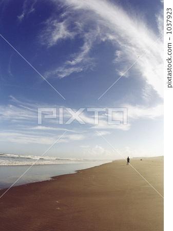 sand beach, sandy beach, blue sky 1037923