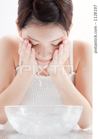 beauty, face washing, face wash 1128197