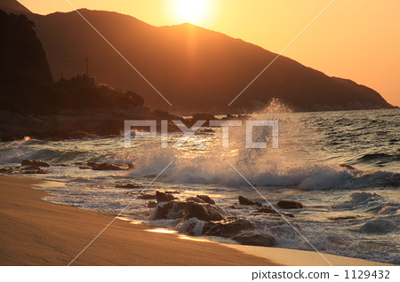 Evening view of the countryside beach 1129432