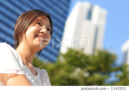 Smile business woman 1145331