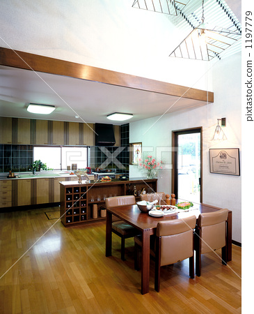 Dining / kitchen with bright colonnade 1197779