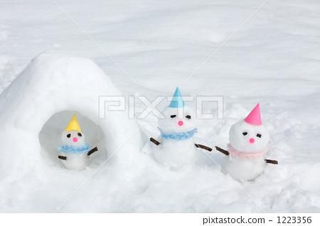 Snowman family 1223356