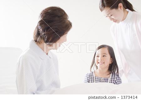 female, lady, woman 1373414