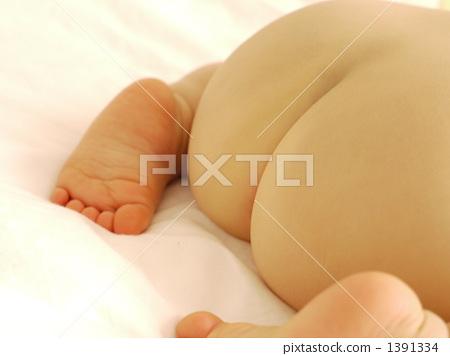 It's a cute little butt ~ 1391334