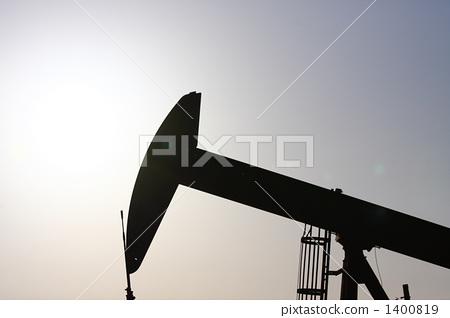 석유 굴착기의 실루엣 1400819