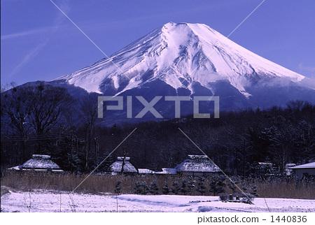 Fuji from Oshino Village 1440836