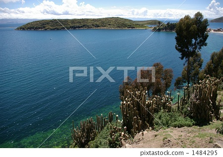 ทิวทัศน์ของ Lake Titicaca 1484295