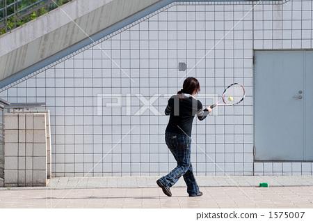 Tennis practice 1575007