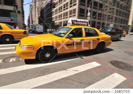 Yellow cab 1685703