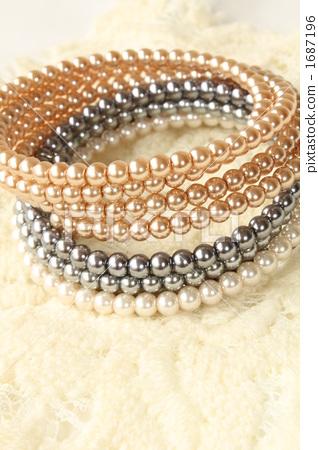 Pearl accessories 1687196