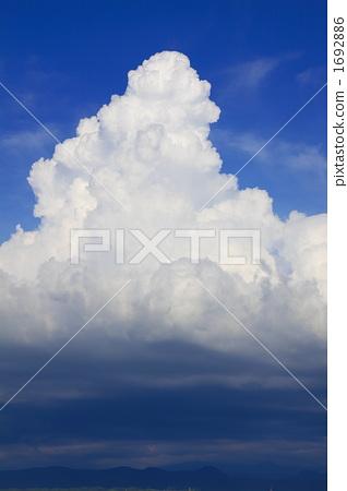 여름의 뭉게 구름 1692886