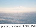 夏天的云彩盖子和游艇的风景 1706158