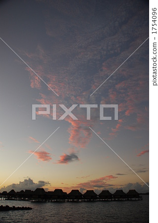 Bora Bora Water cottage sunset 1754096