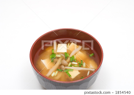Miso soup with bunashimeji and tofu 1854540