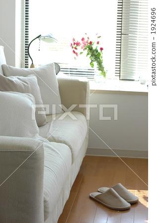 living room, sitting room, sitting-room 1924696