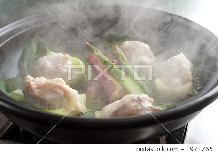 food cooked in a pot, cooking in a pot, locally raised chicken 1971765