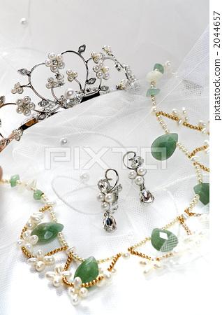 earring, tiara, necklace 2044657