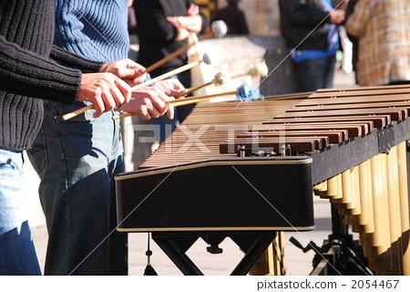 Street performance (marimba) 2054467