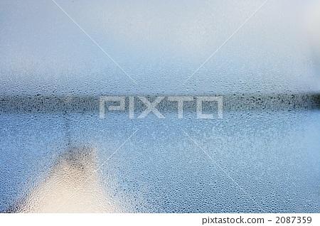 Condensation on the window 2087359
