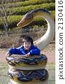 被大蛇抓住的孩子 2130416
