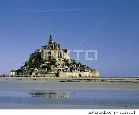 Mont-Saint-Michel Abbey 2132211