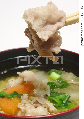 Miso soup with pork and vegetables 2179961