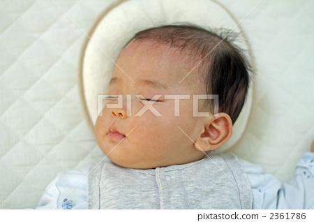아기의 잠자는 얼굴 2361786