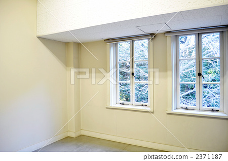 Latticed window 2371187