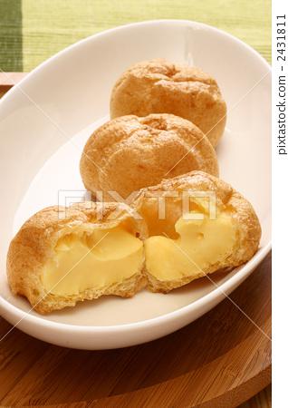 Cream puff cream 2431811
