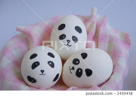 Easter panda 2439458