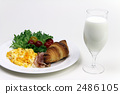 西餐 牛奶 羊角麵包 2486105