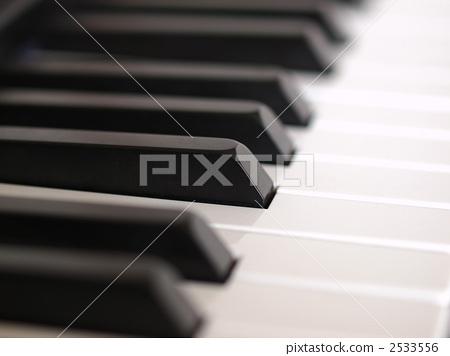 Keyboard 2 2533556