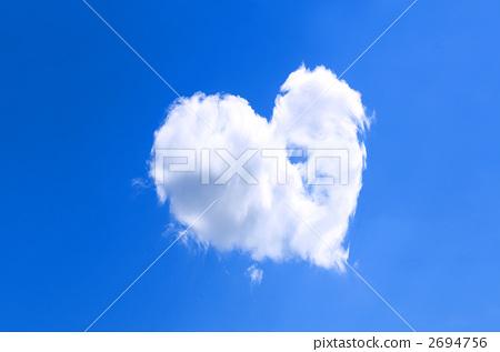 Heart cloud 2694756