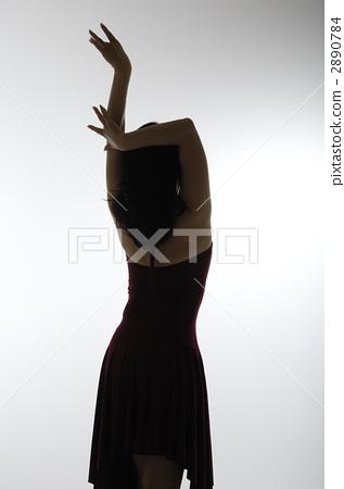 Women dancing 2890784