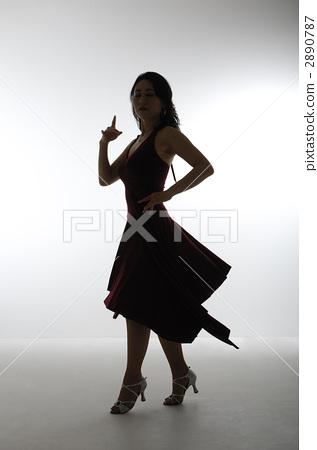 Women dancing 2890787