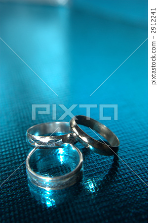 Silver ring (3 blue) 2912241